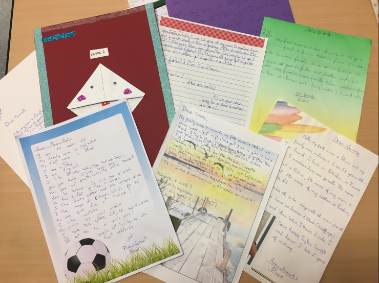 Les lettres des élèves français.jpg